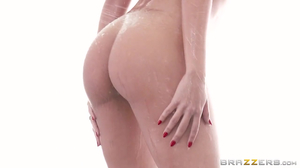 Super-sexy Luna Star fucked after photo session