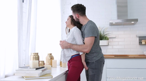 Beauty interrupts cooking to make love with her man