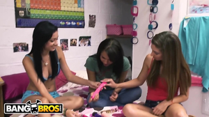 Threesome with three chicks in a college dorm