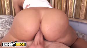 Incredible MILF Lisa Ann takes his big dick anally